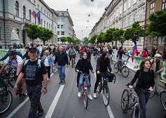 Protestniki v Ljubljani pošiljali papirnate aviončke proti parlamentu
