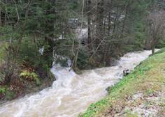 Zaradi padavin možna razlivanja rek in hudourniških vodotokov