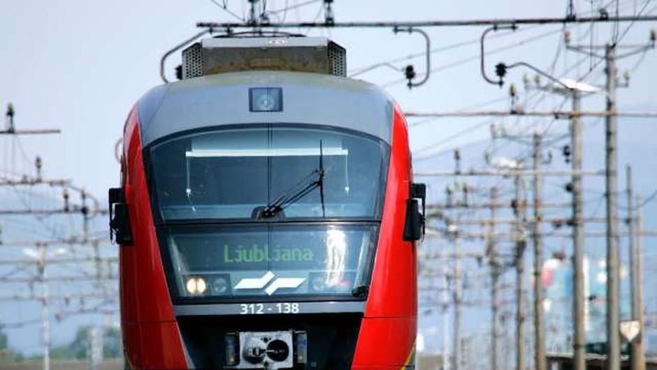 Nekoriščene železniške vozovnice je možno podaljšati do konca meseca (foto: Daniel Novakovič/STA)