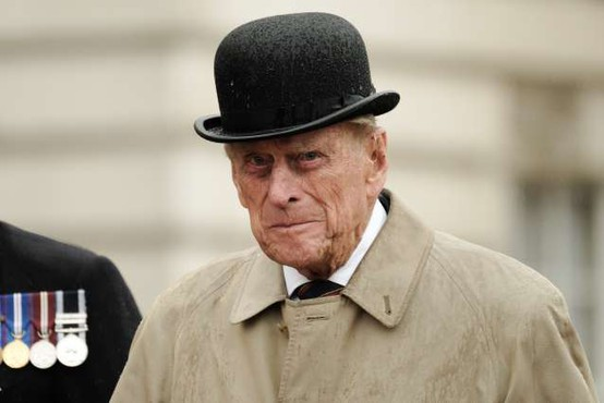 Princ Philip bo 99. rojstni dan preživel le v družbi svoje soproge