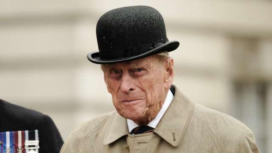 Princ Philip bo 99. rojstni dan preživel le v družbi svoje soproge (foto: Xinhua/STA)