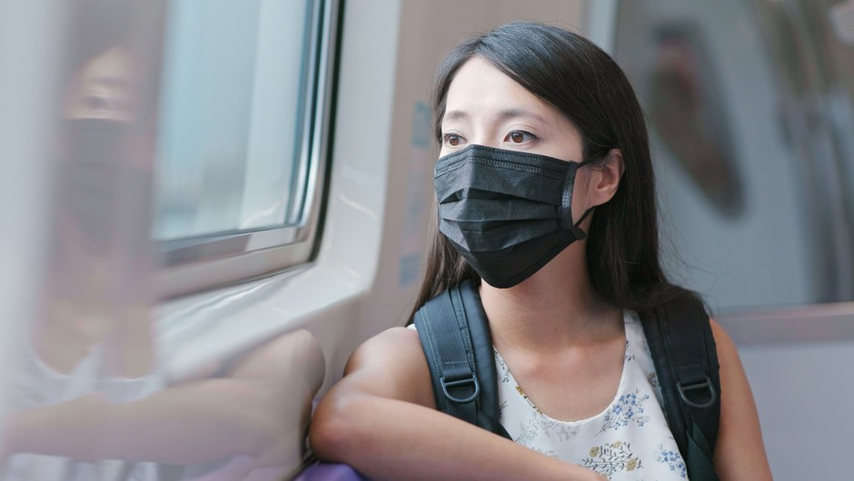 Na Japonskem zaradi vročinskega vala odsvetujejo nošenje mask (foto: Profimedia)