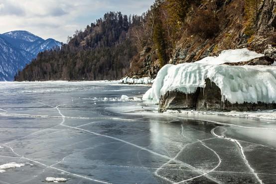 Taljenje ledu vrača v svet že zdavnaj pozabljene bolezni