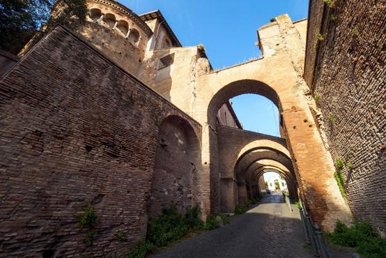 Severno od Rima odkrili zakopano antično mesto