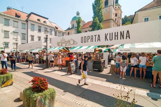 Prva letošnja kulinarična tržnica Odprta kuhna s skoraj 40 stojnicami