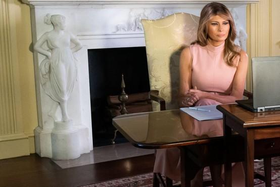 Melania Trump naj bi selitev v Belo hišo zavlačevala zaradi nove predporočne pogodbe