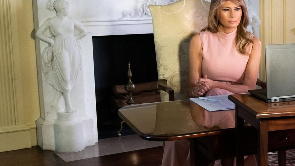 Melania Trump naj bi selitev v Belo hišo zavlačevala zaradi nove predporočne pogodbe (foto: profimedia)