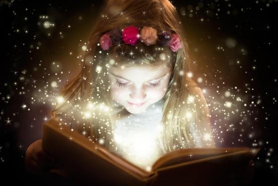 Pravljice in zdravilne zgodbe za navdih in samopomoč (za otroke in njihove odrasle)