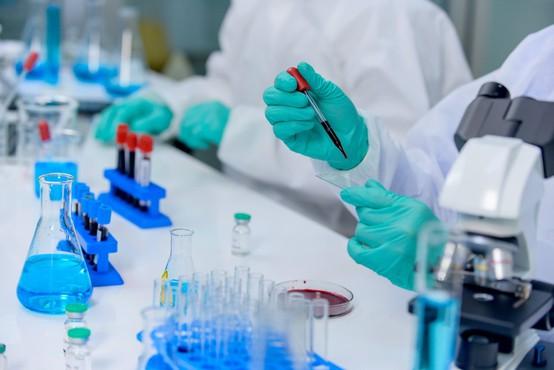 Zavezništvo za cepivo in farmacevtska družba podpisali sporazum za cepivo, namenjeno EU