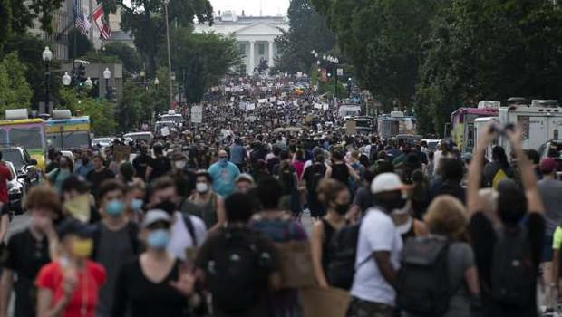 Zaradi smrti temnopoltega moškega novi protesti proti policijskemu nasilju v ZDA (foto: Xinhua/STA)