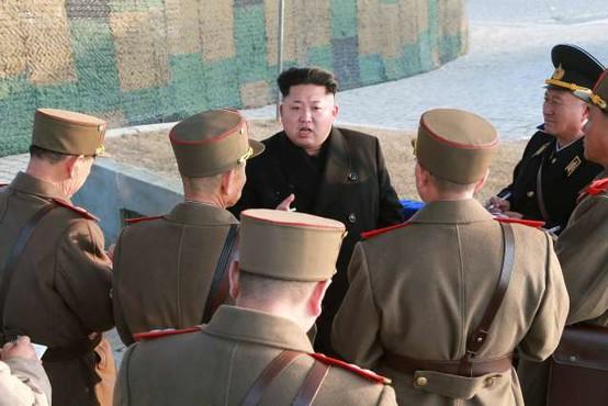Severna Koreja na svoji strani meje razstrelila urad za zveze z Južno Korejo