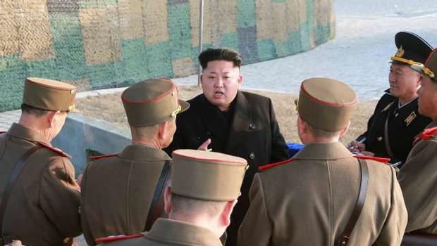 Severna Koreja na svoji strani meje razstrelila urad za zveze z Južno Korejo (foto: Xinhua/STA)
