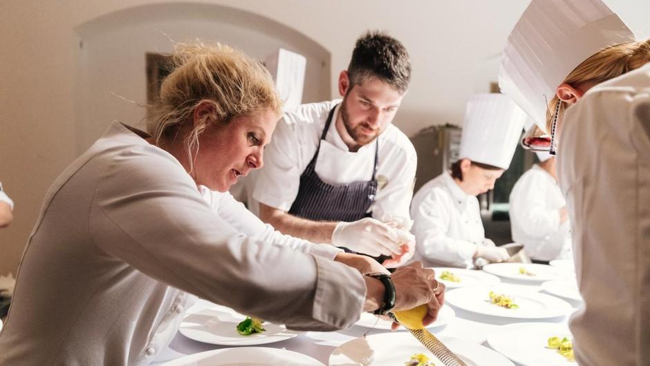 Hiši Franko z Ano Roš dve Michelinovi zvezdici, petim restavracijam po ena (foto: Ziga Intihar)