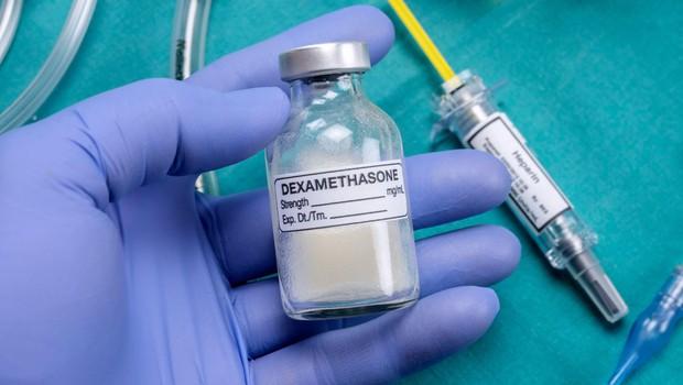 Zdravljenje s steroidom bi lahko znižalo smrtnost najhuje obolelih s covidom-19 (foto: Profimedia)