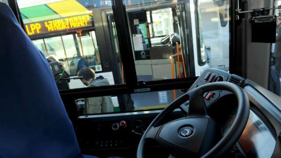 Na ljubljanske avtobuse ponovno skozi prva vrata (foto: Tamino Petelinšek/STA)