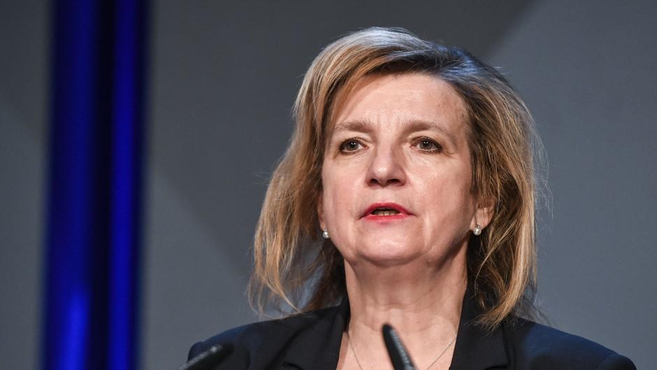 Vlada se pripravlja na spomladanski scenarij zapiranja; Beovičeva: Verjetno bi zadostovalo štiri tedne (foto: STA)