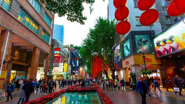 V Pekingu so v prizadevanjih za zajezitev novega vala okužb zaprli šole (foto: Shutterstock)