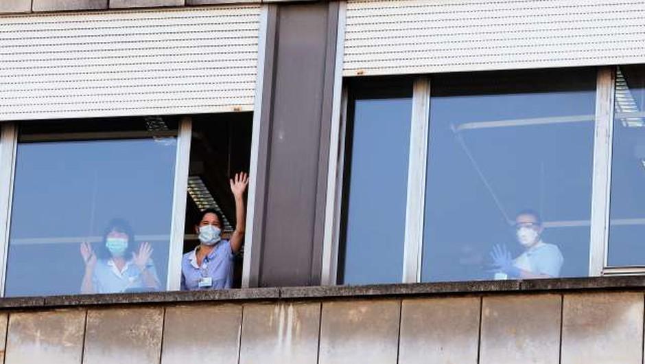 Pri zaposleni v UKC Ljubljana potrdili okužbo (foto: Daniel Novakovič/STA)