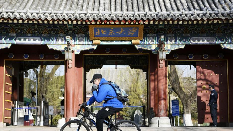 Na novem žarišču v Pekingu odkrili evropsko mutacijo virusa (zdaj preverjajo uvoženo hrano) (foto: profimedia)