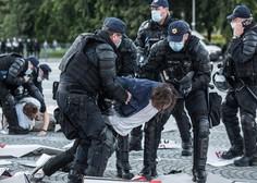 Trg republike v Ljubljani so tokrat povsem ogradili, a protestov niso preprečili