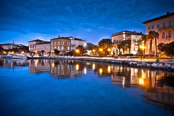 Hrvati izdali navodila za postopke v primeru, da se tuji turisti okužijo ali zbolijo