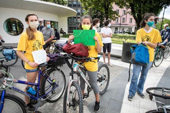 Greta Thunberg pravi, da je pandemija pokazala, kako se je treba soočiti s podnebnimi spremembami