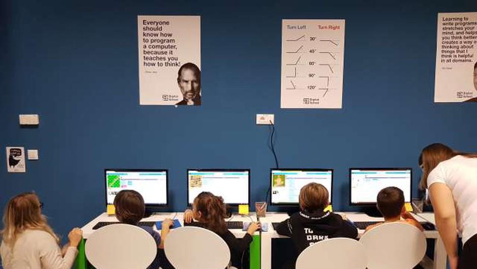 Spletni kanal Radio Z za mlade sledi tudi potrebam otrok v bolnišnicah (foto: STA)