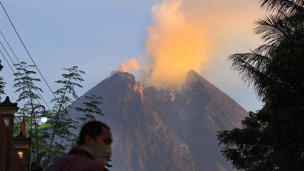 Indonezijski vulkan Merapi se je spet prebudil (foto: profimedia)