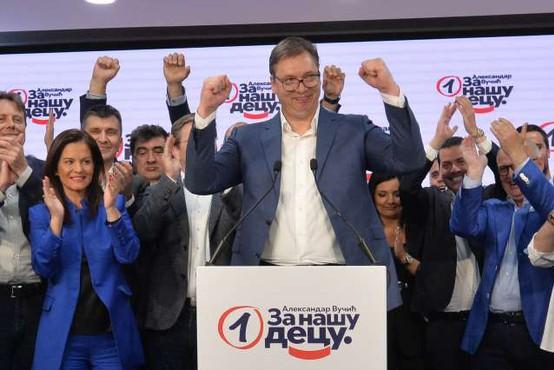 Na volitvah v Srbiji prepričljiva zmaga Vučićeve SNS