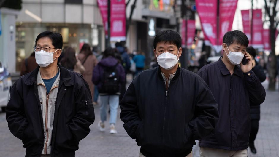Južna Koreja v drugem valu epidemije in pred ponovno uvedbo strožjih ukrepov (foto: Shutterstock)
