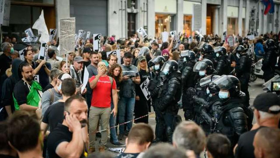 Mag. Anton Travner: »Policija ni pod pritiskom, da bi morala ukrepati proti transparentom!« (foto: Nebojša Tejić/STA)