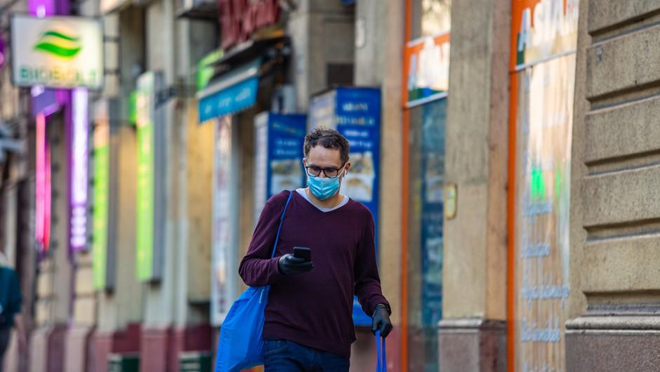 V torek potrjene 1503 okužbe, delež pozitivnih testov 25,51-odstoten, največ doslej (foto: Shutterstock)