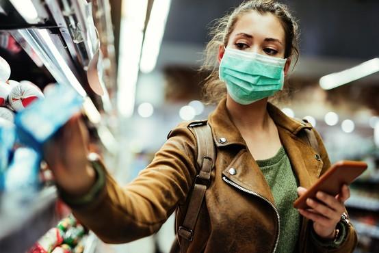 Petek v senci številnih rekordnih podatkov o okužbah v soseščini in drugod po svetu