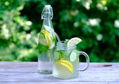 Žeja je znak dehidracije, ki bistveno vpliva na zmanjšanje telesnih in duševnih sposobnosti