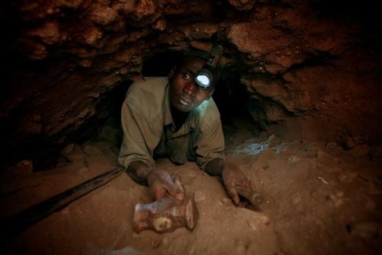 Tanzanijski rudar po najdbi draguljev čez noč postal milijonar