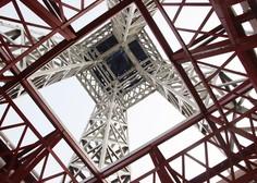 Po 104 dneh V Parizu ponovno odprli Eifflov stolp