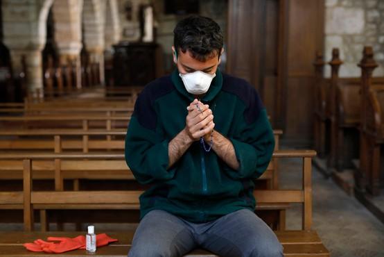 Tudi v cerkvah obvezne zaščitne maske, so odločili škofje