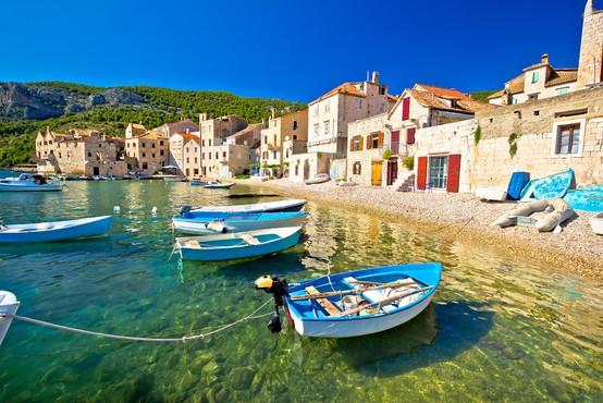 Zakaj se Slovenci bolj kot okužbe bojimo, da ne bomo mogli na morje (piše: Darjo Hrib)
