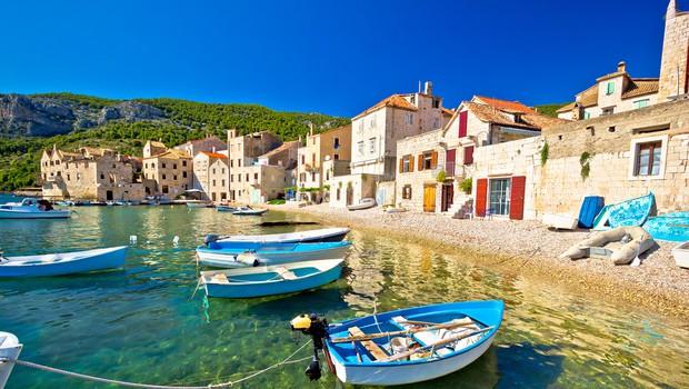 Zakaj se Slovenci bolj kot okužbe bojimo, da ne bomo mogli na morje (piše: Darjo Hrib) (foto: Shutterstock)