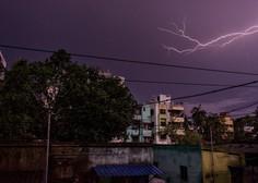 V Indiji strele v enem dnevu usmrtile več kot sto ljudi