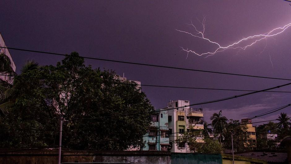 V Indiji strele v enem dnevu usmrtile več kot sto ljudi (foto: profimedia)