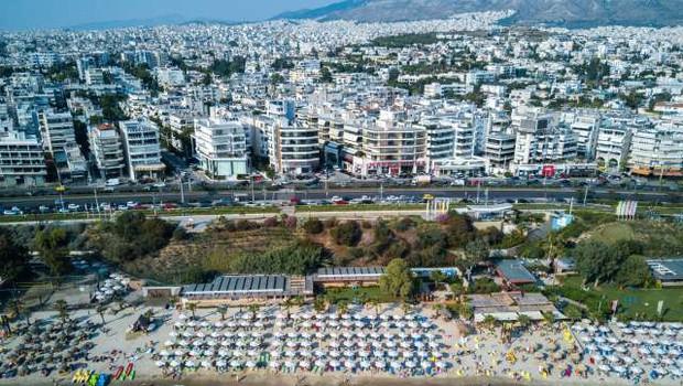 Pred vstopom v Grčijo morajo turisti izpolniti spletni vprašalnik (foto: Xinhua/STA)