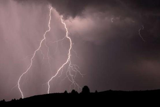 Preventivni ukrepi med nevihto in neurjem