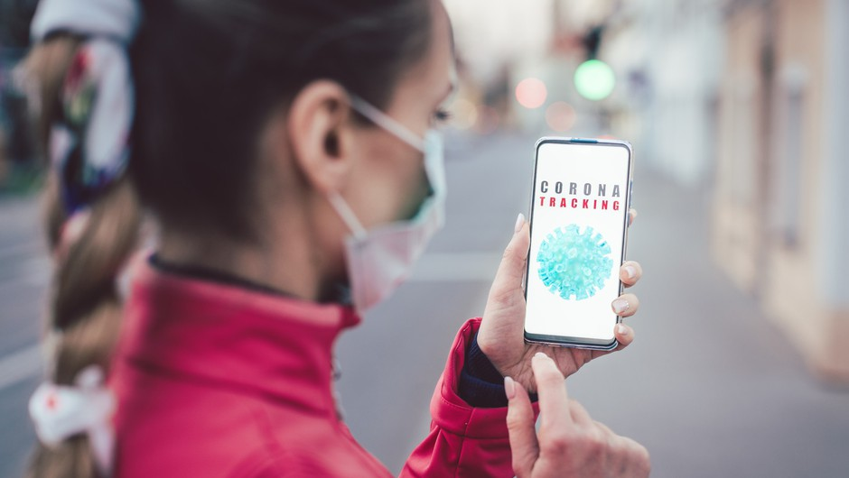 Mojca Prelesnik: Vlada želi z aplikacijo zbirati podatke o lokacijah posameznikov (foto: Profimedia)
