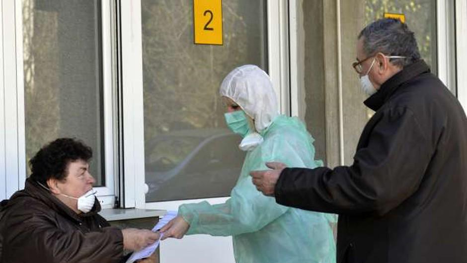 Razmere na Balkanu se ne umirjajo. Število novih okužb v večini držav ostaja visoko. (foto: Tanjug/STA)