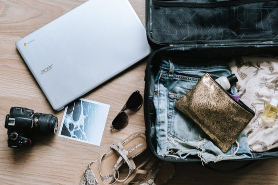 Tako POLN KUFER pakiranja, da nujno potrebujem počitnice!  (piše Petra W.)