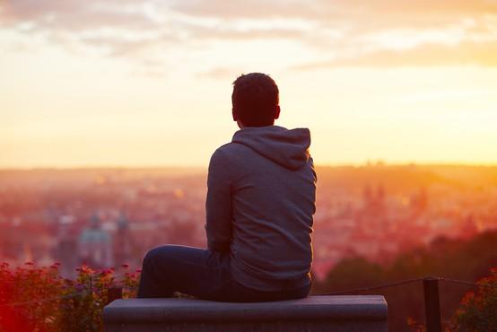 Jasni znaki, da ste se zapletli s čustveno nedostopno osebo