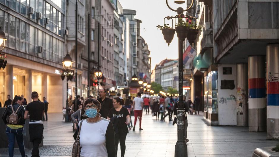 V Srbiji 359 novih okužb s koronavirusom, umrlo še šest bolnikov (foto: Shutterstock)