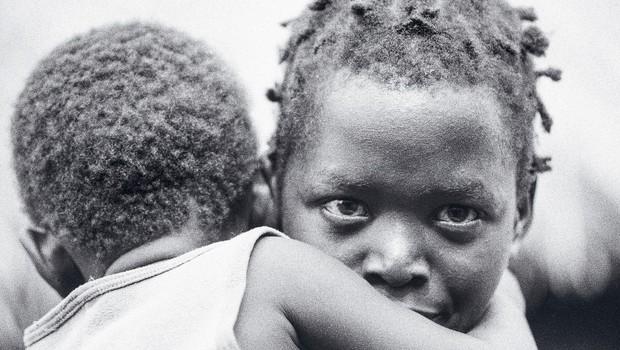 Trnova pot Rozmanov do starševske sreče: posvojitev dvojčkov iz Gvineje Biassauo (foto: profimedia)