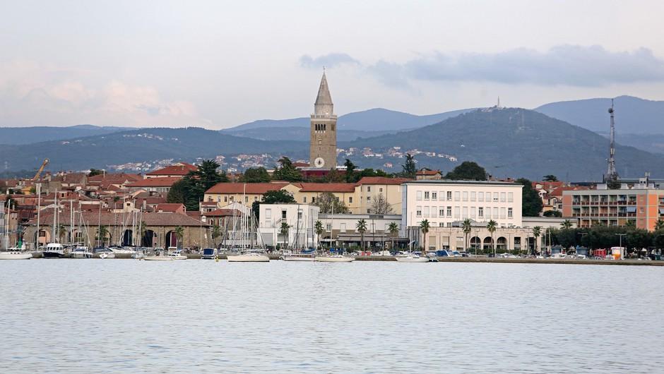 Zaradi ukrepov proti širjenju okužbe bi v Kopru konec tedna utegnili omejiti dostop do kopališča (foto: profimedia)